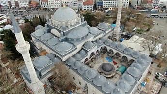 Yeni Cami'deki restorasyon yıl sonunda tamamlanacak!