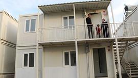 Elazığ'da çift katlı konteyner evlerin anahtar teslimleri başladı