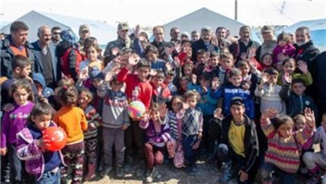 Van Valisi Bilmez, deprem konutları ile ilgili bilgi verdi