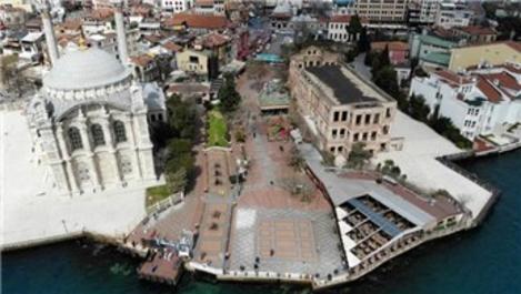 Ortaköy Meydanı, korona virüsü nedeniyle boş kaldı