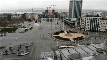 Koronavirüs nedeniyle Taksim ve İstiklal Caddesi boş kaldı