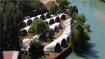 Türkiye'nin ilk çadır kamp oteli sağlıkçılara tahsis edildi