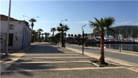Çeşme'nin sokakları boş kaldı