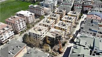 Büyükçekmece'de ağır hasarlı 8 binanın yıkım işlemleri başladı