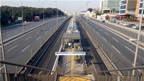 İstanbul'da toplu taşıma seferleri seyrek şekilde yapılıyor