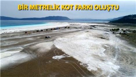 Salda Gölü'ndeki tahribattan geriye derin çukurlar kaldı