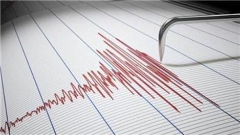Van'da 4.0 büyüklüğünde deprem paniğe sebep oldu