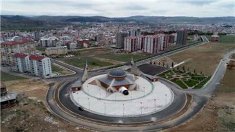 Türkiye'nin ilk ay yıldızlı camisi salgın nedeniyle açılamadı