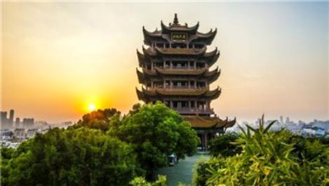 Wuhan'ın simgesi Sarı Turna Kulesi yeniden ziyarete açıldı