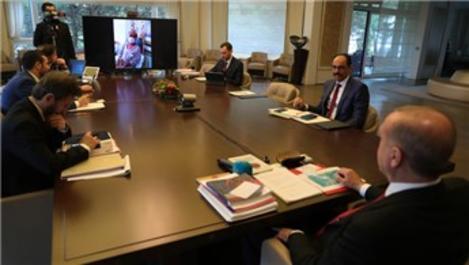 Başkan Erdoğan video konferansla Covid-19 hastaları ile görüştü