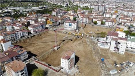 Elazığ depreminde 2 bin 270 evin yıkıldığı mahallede ilk temel