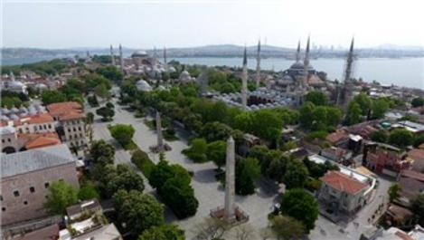 İstanbul'un meydanları boş kaldı