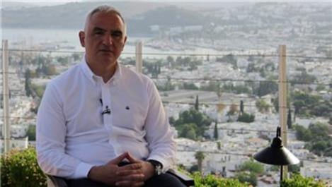 """Bakan Ersoy: """"İç turizmi açıyoruz dış turizmi kademeli açacağız"""""""