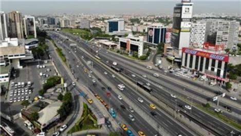 İstanbul'da sokağa çıkma kısıtlaması sonrası yoğun trafik