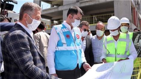 Bakan Kurum, Gaziosmanpaşa'daki dönüşüm çalışmalarını inceledi