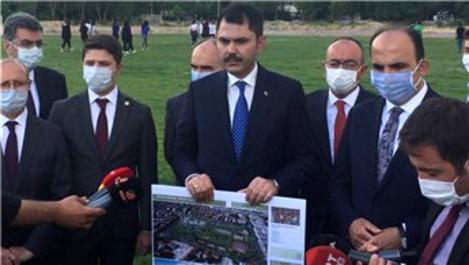 Bakan Kurum millet bahçesi yapılacak stadyum alanını inceledi