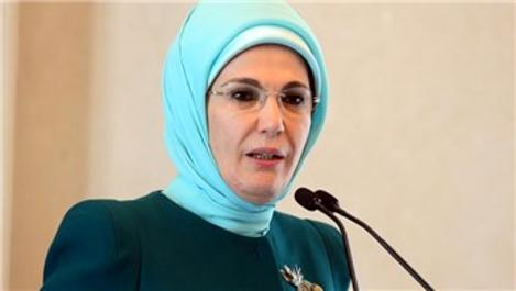 Emine Erdoğan'dan İdlib'e 57 briket ev bağışı!