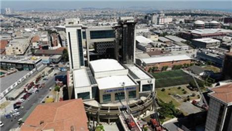 Bayrampaşa Mehmet Akif Ersoy Kültür Merkezi'nde yangın çıktı