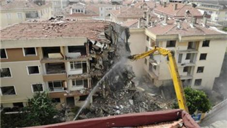 """Başkan Akgün: """"Büyükçekmece'de ayakta duran tabutları yıkacağız"""""""