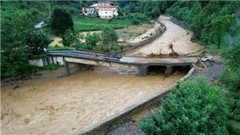 Rize'de sel ve heyelanın hasarı gün ağarınca ortaya çıktı