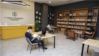 AVM kütüphanelerine yoğun ilgi