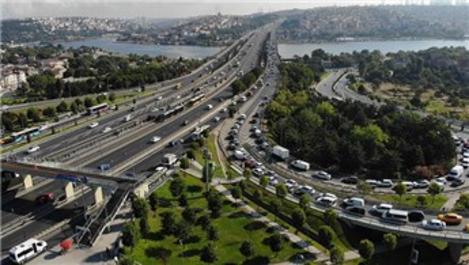 Haliç Köprüsü'nde trafik akışı tek şeritten sağlanıyor
