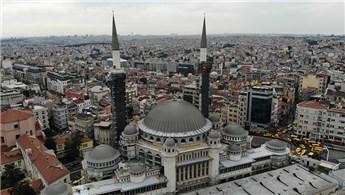 Taksim Camisi'nin şerefesi göründü