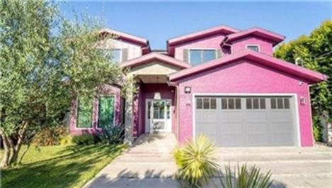 Bella Thorne, evinin her odasını farklı renge boyadı!