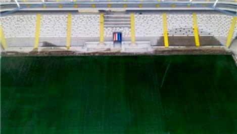 Yeni Adana Stadyumu'nun hibrit çim serimi tamamlandı