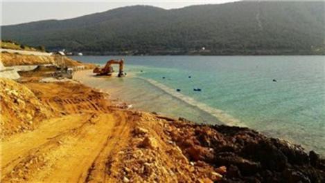 Bodrum'da karadaki kaçak yapılar deniz dibine kadar indi