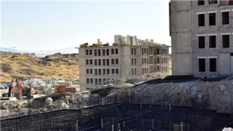 Malatya'da depremzedeler için yapılan konutlar yükseliyor