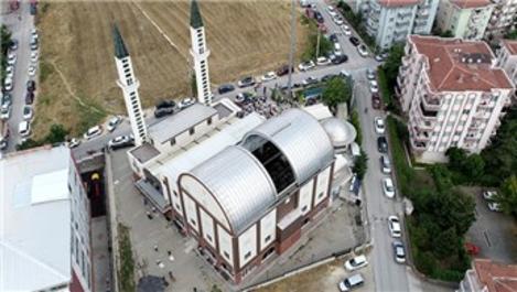 Bursa'da kubbesi açılıp kapanan, klimasız cami!