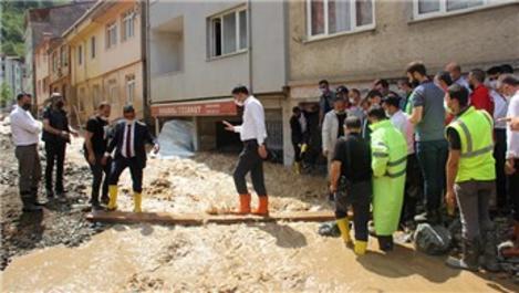 Bakan Kurum, Giresun'da sel bölgesinde incelemelerde bulundu