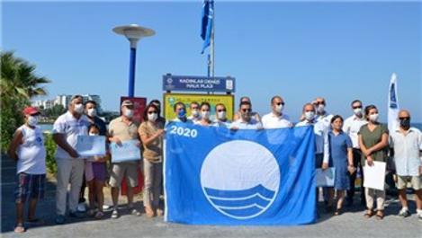 Kuşadası'nda 26 plaj 'mavi bayraklı' oldu