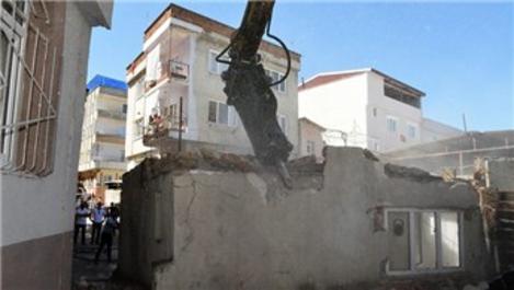 Bursa Yıldırım'da ulaşımı rahatlatacak binalar yıkılıyor