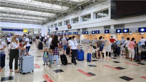 Antalya Havalimanı'ndan bir ayda 11 bin uçuş gerçekleşti
