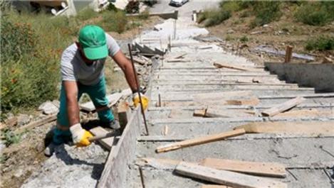 Çankaya'da merdivenli yol yapımına devam!