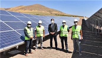 Ahlat'a 3 bin 500 panelli güneş enerji tesisi kuruldu
