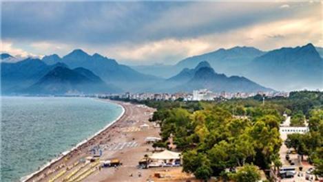 Antalya'ya gelen Rus turist sayısı 15 günde ağustosu geçti