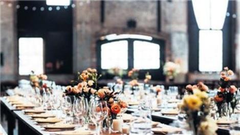 Pandemi nedeniyle düğünler artık restoranlarda yapılıyor