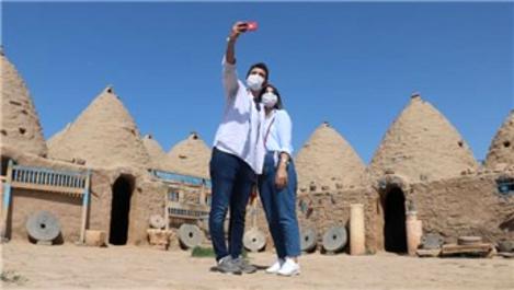 Kümbet evleri 7 ay sonra yeniden turistleri ağırlamaya başladı
