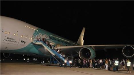 Dünyanın en büyük uçağı ikinci kez İstanbul Havalimanı'na indi
