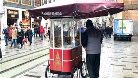 İBB, İstiklal Caddesi'ndeki tezgahları kaldırıyor!
