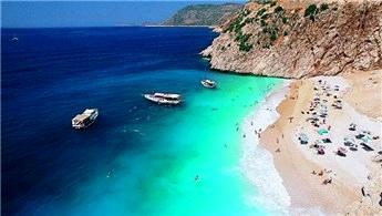 Antalya'nın Kaputaş Plajı'nda ekim keyfi!