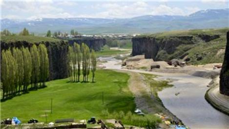 Ağrı Murat Kanyonu'na ziyaretçi akını!
