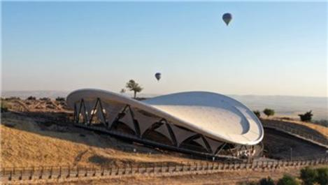 Göbeklitepe'de sıcak hava balonuyla resmi uçuşlar başladı