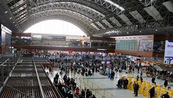Uçan yolcu sayısı son 17 yılda yüzde 500 arttı!
