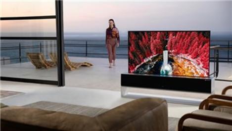 LG'nin merakla beklenen kıvrılabilir OLED TV'si satışta!