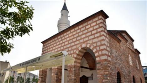 Kefensüzen Camisi restorasyon sonrası ibadete açıldı