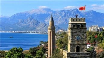 Antalya'ya gelen turist sayısı 3 milyon 276 bine ulaştı